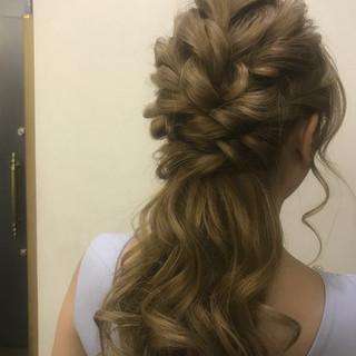 ねじり ロング デート ヘアアレンジ ヘアスタイルや髪型の写真・画像