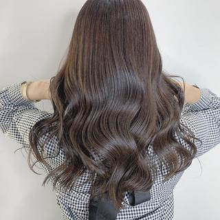 ベージュ レイヤーカット 透明感カラー ロング ヘアスタイルや髪型の写真・画像