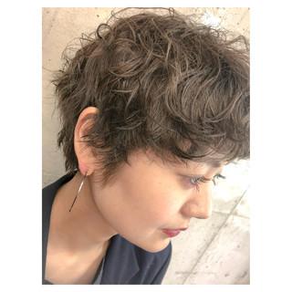 ショート ストリート ショートボブ ドライフラワー ヘアスタイルや髪型の写真・画像 ヘアスタイルや髪型の写真・画像