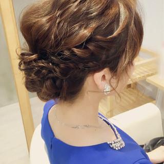 波ウェーブ 透明感 シニヨン ヘアアレンジ ヘアスタイルや髪型の写真・画像