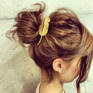 バレッタ ヘアアレンジ アップスタイル お団子 ヘアスタイルや髪型の写真・画像
