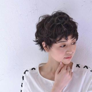 アッシュ グラデーションカラー ショート ゆるふわ ヘアスタイルや髪型の写真・画像