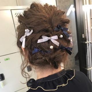 ヘアアレンジ 編み込み ヘアアクセ ナチュラル ヘアスタイルや髪型の写真・画像 ヘアスタイルや髪型の写真・画像