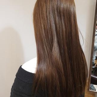 外国人風フェミニン ツヤ髪 ガーリー くすみカラー ヘアスタイルや髪型の写真・画像
