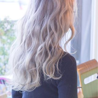 ロング 外国人風 グラデーションカラー ホワイト ヘアスタイルや髪型の写真・画像