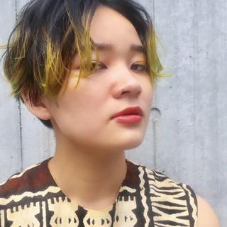 ショート ストリート インナーカラー ポイントカラー ヘアスタイルや髪型の写真・画像