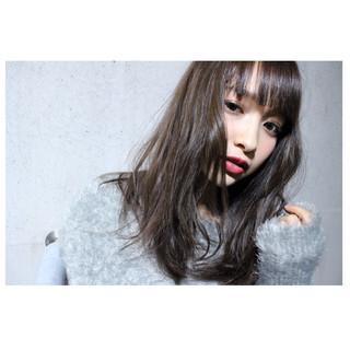 小顔 暗髪 ロング 外国人風 ヘアスタイルや髪型の写真・画像