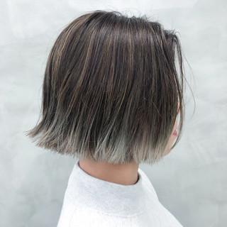 ダブルカラー モード ボブ 切りっぱなしボブ ヘアスタイルや髪型の写真・画像 ヘアスタイルや髪型の写真・画像