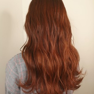 ロング ブリーチ イエロー オレンジベージュ ヘアスタイルや髪型の写真・画像