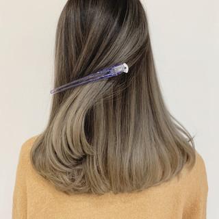 外国人風 グラデーションカラー エレガント ハイライト ヘアスタイルや髪型の写真・画像