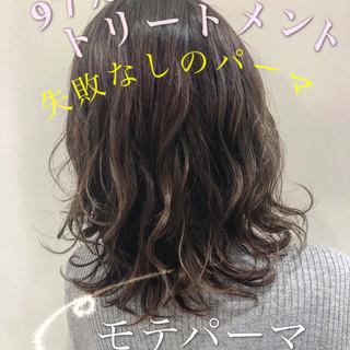 ナチュラル モテ髪 パーマ デジタルパーマ ヘアスタイルや髪型の写真・画像