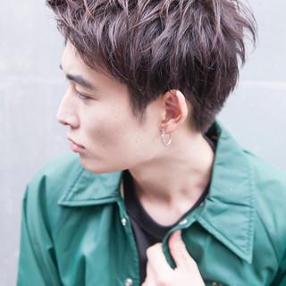 メンズ ストリート ヘアアレンジ 外国人風カラー ヘアスタイルや髪型の写真・画像   可愛いにはコツがある!ナチュラルizumi / Siena