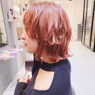 ミニボブ ウルフカット インナーカラー ナチュラル ヘアスタイルや髪型の写真・画像