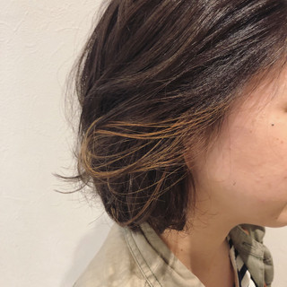 ボブ イルミナカラー インナーカラー ナチュラル ヘアスタイルや髪型の写真・画像