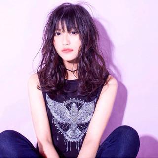 セミロング 大人かわいい 渋谷系 黒髪 ヘアスタイルや髪型の写真・画像