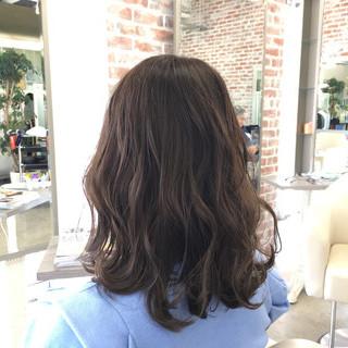 外ハネ ヘアアレンジ ハイライト 透明感 ヘアスタイルや髪型の写真・画像