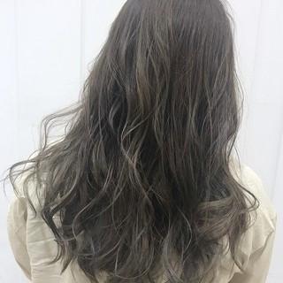 透明感カラー ハイライト グレージュ フェミニン ヘアスタイルや髪型の写真・画像