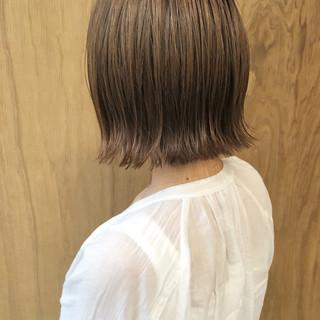 ショートボブ インナーカラー 切りっぱなしボブ グラデーションカラー ヘアスタイルや髪型の写真・画像
