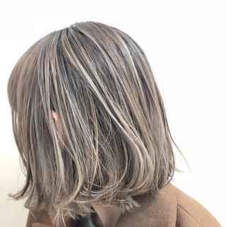 ナチュラル バレイヤージュ グレージュ ボブ ヘアスタイルや髪型の写真・画像