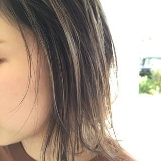 イルミナカラー ボブ ストリート グレージュ ヘアスタイルや髪型の写真・画像