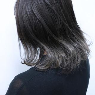 ボブ 外国人風 グラデーションカラー 切りっぱなし ヘアスタイルや髪型の写真・画像