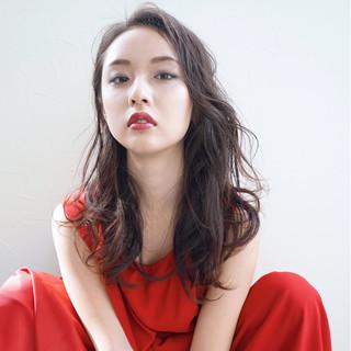 モード 外国人風 暗髪 フェミニン ヘアスタイルや髪型の写真・画像