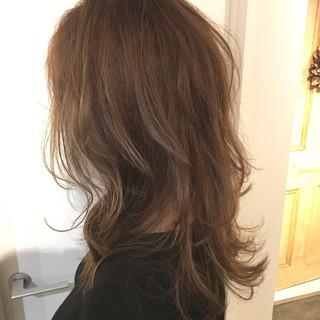 切りっぱなしボブ ナチュラル ミルクティーベージュ 地毛風カラー ヘアスタイルや髪型の写真・画像