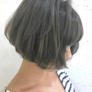 こなれ感 グレージュ アッシュ グラデーションカラー ヘアスタイルや髪型の写真・画像