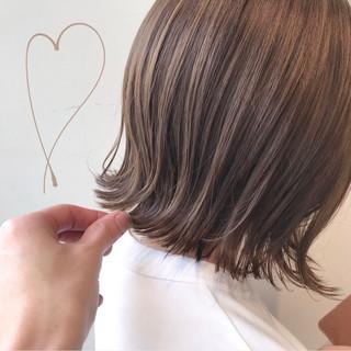 ボブ ブリーチなし 透明感カラー ミルクティーベージュ ヘアスタイルや髪型の写真・画像