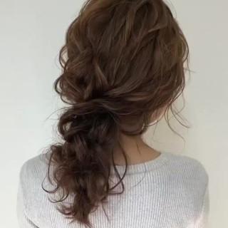 セミロング ヘアアレンジ フェミニン アンニュイほつれヘア ヘアスタイルや髪型の写真・画像