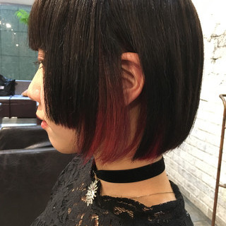 モード レッド 抜け感 ピンク ヘアスタイルや髪型の写真・画像