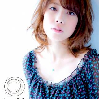 ストリート 卵型 フェミニン セミロング ヘアスタイルや髪型の写真・画像