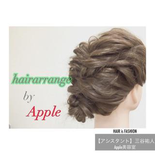 ヘアアレンジ 大人かわいい 簡単ヘアアレンジ セミロング ヘアスタイルや髪型の写真・画像