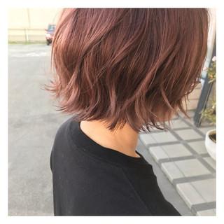ボブ 外ハネ ピンクアッシュ ピンク ヘアスタイルや髪型の写真・画像