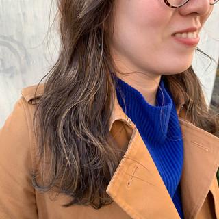 簡単ヘアアレンジ インナーカラー ナチュラル グレージュ ヘアスタイルや髪型の写真・画像 ヘアスタイルや髪型の写真・画像
