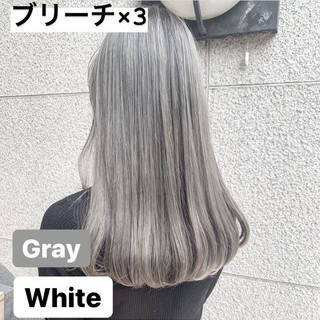 ホワイトブリーチ ロング ホワイトシルバー ブリーチ ヘアスタイルや髪型の写真・画像