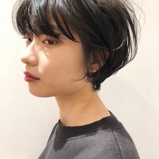 ショートボブ アンニュイほつれヘア ナチュラル ショート ヘアスタイルや髪型の写真・画像