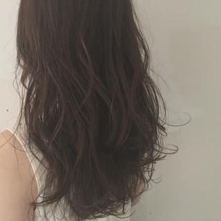 ストリート ウェットヘア レイヤーカット アッシュ ヘアスタイルや髪型の写真・画像