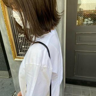 オリーブアッシュ ミディアム オリーブグレージュ オリーブベージュ ヘアスタイルや髪型の写真・画像