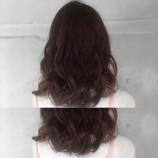 ミディアム グラデーションカラー 暗髪 ガーリー ヘアスタイルや髪型の写真・画像
