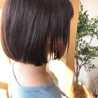 ボブ 切りっぱなしボブ ショートヘア ナチュラル ヘアスタイルや髪型の写真・画像