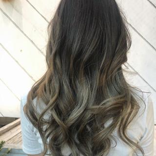 エレガント ツヤ髪 グラデーションカラー バレイヤージュ ヘアスタイルや髪型の写真・画像