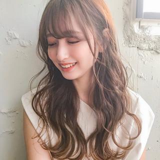 ゆるふわパーマ セミロング 束感バング シースルーバング ヘアスタイルや髪型の写真・画像