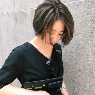 小顔 アンニュイほつれヘア ショート 似合わせ ヘアスタイルや髪型の写真・画像