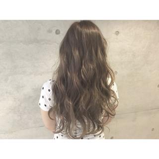 大人かわいい ゆるふわ アッシュ ストリート ヘアスタイルや髪型の写真・画像