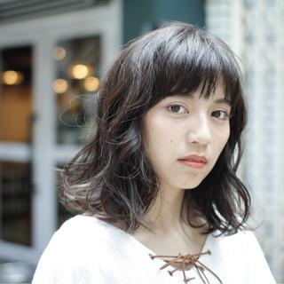 伸ばしかけ パーマ ミディアム ナチュラル ヘアスタイルや髪型の写真・画像