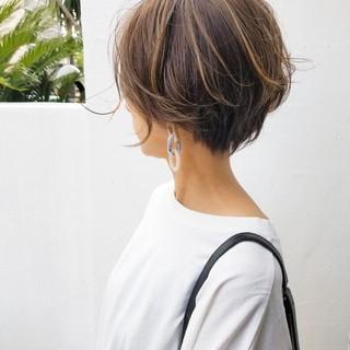 オフィス ショートボブ ショート ハイライト ヘアスタイルや髪型の写真・画像