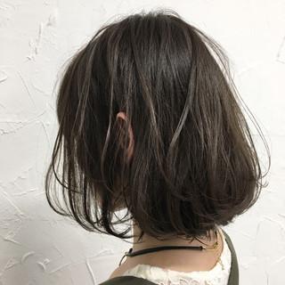 ボブ グレージュ ゆるふわ アッシュ ヘアスタイルや髪型の写真・画像