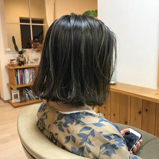 アッシュ 秋 デート 透明感 ヘアスタイルや髪型の写真・画像 ヘアスタイルや髪型の写真・画像