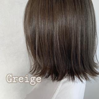 グレージュ アッシュグレージュ ミニボブ 切りっぱなしボブ ヘアスタイルや髪型の写真・画像